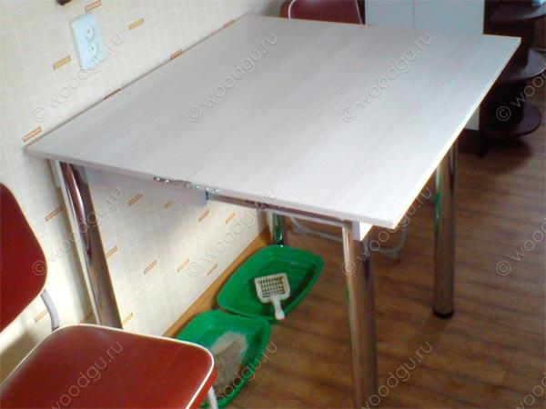 Стол раскладной на маленькую кухню.